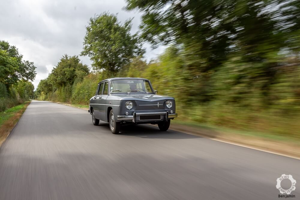 Renault 8 route